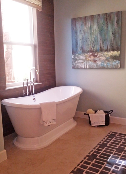 gorgeous bathtub with pedestal base like a modern claw foot tub