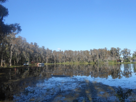Stunning Lakefront Property Available in Tampa, FL