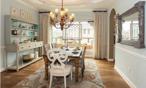 Sonoma-Mesa-dining-room
