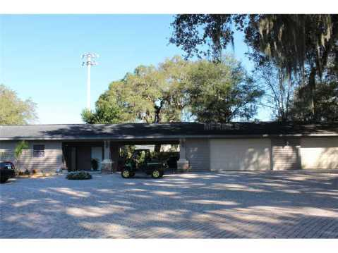 Custom Equestrian Estate for Sale in Plant City:  4 Car Garage with Rental Apartment Space