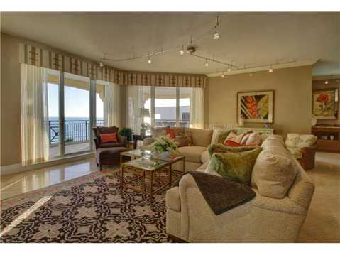 Beachfront Vizcaya Condo with Wraparound Terrace for Sale:  with floor to ceiling windows and doors looking out over the Gulf of Mexico