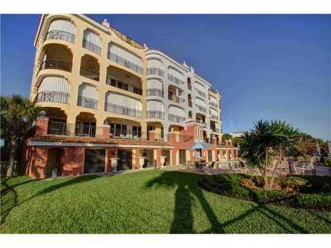 Beachfront Vizcaya Condo with Wraparound Terrace for Sale