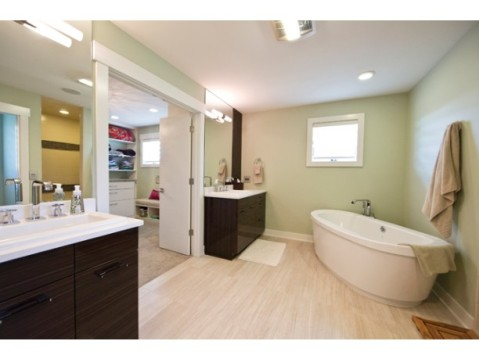 Modern Farmhouse Floor Plan:  Master Bath