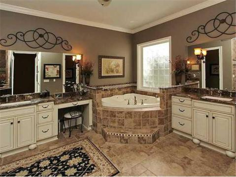 Custom Lakefront Home for Sale in Keystone Park Colony:  Master Bath with Dual Vanities and Spa Tub